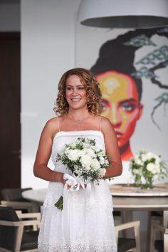 Holding You in my hands made me less nervous #mybouquet💐 #bridalbouquet #weddingplanner Unique Phuket #villawedding. https://uniquephuket.com/?utm_content=buffer129d3&utm_medium=social&utm_source=pinterest.com&utm_campaign=buffer
