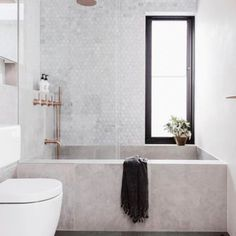 This stunner of a bathroom via #insideoutaustralia is serving up some major design inspo for a new bathroom remodel we are working on. I don't know about you but that tub is calling my name. #swoonworthysaturday