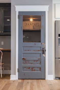 Antique door repurposed as pantry door - by Rafterhouse. Style At Home, Cuisines Design, Vintage Modern, Vintage Ideas, Vintage Industrial, Home Fashion, New Kitchen, Kitchen Decor, Kitchen Rustic