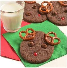 Santa's Reindeer Cookies Christmas Cookies Kids, Easy Christmas Cookie Recipes, Cookies For Kids, Xmas Cookies, Christmas Desserts, Christmas Treats, Holiday Recipes, Holiday Drinks, Holiday Foods