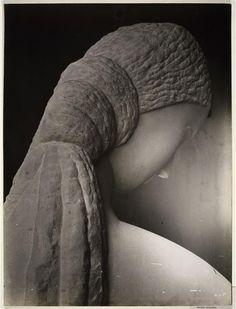 Femme se regardant dans un miroir   Constantin Brancusi