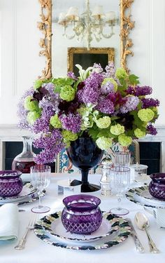 For the table - Carolyne Roehm - Traditional Style - Flower arrangements