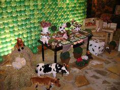 Festa infantil tema fazendinha, painel de balões