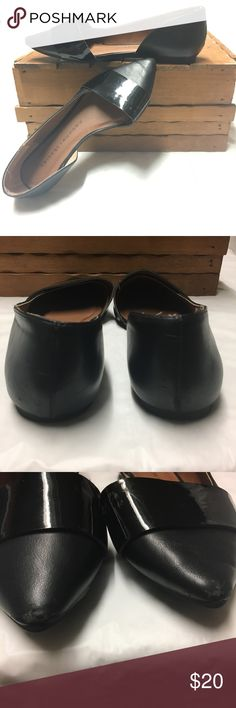 Chinese Laundry Pointy Toe Flats Super cute pointy toe Black Flats, size 6, a few scratches particularly around the pointy toe area, please refer to pictures showing some scratches. Chinese Laundry Shoes Flats & Loafers