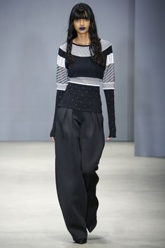 Ohne Titel Fall 2016 Ready-to-Wear Fashion Show  http://www.theclosetfeminist.ca/  http://www.vogue.com/fashion-shows/fall-2016-ready-to-wear/ohne-titel/slideshow/collection#8