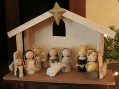 DIY Wooden Doll Nativity Here's another fabulous nativity set I want to share with you today… ~DIY Wooden Doll Nativity~ Brittany over at Little Inspirations created these using mini wooden dolls from her local craft store and scraps she had on hand! Nativity Crafts, Christmas Nativity, Winter Christmas, Christmas Holidays, Christmas Decorations, Nativity Sets, Simple Nativity, Nativity Peg Doll, Nativity Stable