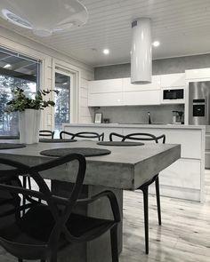 Betonipöytä ja mustavalkoinen värimaailma Kitchen Dining, Dining Table, Home Kitchens, Interior, House, Furniture, Home Decor, Kitchens, Counter Height Stools