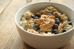 Club Paleo is een paleo community! Alles over het paleo dieet en lifestyle! The Breakfast Club, Paleo Breakfast, Muesli, Parfait, Quinoa, Oatmeal, Clean Eating, Healthy Recipes, Healthy Food