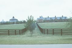1000 ideas about horse farm layout on pinterest round for Small horse farm plans
