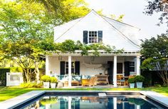 10 Swoon-Worthy Homes in the Hamptons via @mydomaine