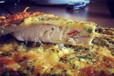Ингредиенты:филе рыбы 1 штяйца 4 штлук по вкусусметана 2-3 ст.лсыр нежирныйоливковое маслосоль, перец по вкусу.Приготовление:1. Филе рыбы промыть, обсушить, если есть косточки - лучше их вырезать.(в …