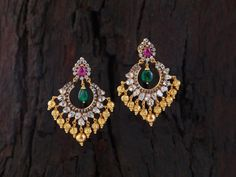 Uncut diamond pacchi setting, chandbalis with ruby n emaralds Indian Wedding Jewelry, Indian Jewelry, Bridal Jewelry, Gold Earrings Designs, Necklace Designs, Gold Designs, Necklace Ideas, Indian Earrings, Fashion Jewelry