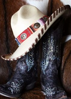 Patricia Wolf Gus cowgirl hat. #BaileyRose