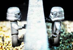 Walaupun kita berada di tempat yang berbedaku harap kau bisa merasakan adanya diriku untukmu. . .  #legogram #legoblocks #lego #legophotography #legomania #legostagram #legoworld #brick #bricknetwork #bricknation #brickfilm #brickcentral #brickinsider #legoaddict #toyphotography #finnytoybox #minifigure #like4like #likeforlike #like4follow #follow4follow #instasquare #instastyle #instacollage #transformers #premiumpost #photooftheday #toys #makeportraits #photoshoot by doni.nugroho