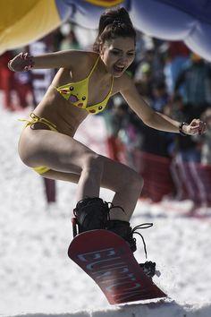 Bikini Snowboarding 2017 in Russia