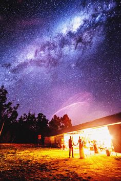Melbourne-based wedding photographer Lakshal Perera captured a once-in-a lifetime shot of the bride and her groom with the Milky Way in the sky above.