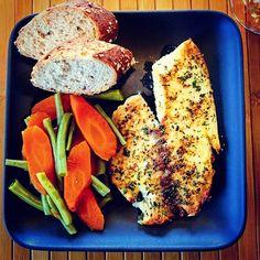 Talapia with veggies and a nice crusty whole wheat, organic Baggett. Also had a nice little salad with Brianna's Blush Wine Vinigarett Dressing.  Follow @briannas_salad .  Simply the BEST! . . . . . . . #briannas #salad #vegetarian  #healthy #fitnessmotivation #fish #talapia #prescetarian #foodgram #foodpost #foodporn #foodgasm #foodphotography #yummy #organic #fitnessmotivation #instafood #instagood #annarbor #michigan