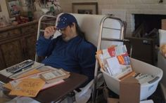 While one man and his family struggles with his terminal liver disease, Reddit users provide them with upbeat cards, letters, music and other acts of kindness.