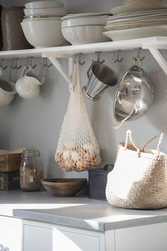 Modern Farmhouse Decor, Scandinavian Home, Simple House, Cozy House, Kitchen Interior, Vintage Kitchen, Interior Inspiration, Home Kitchens, Sweet Home