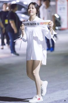 Asia Girl, Pop Fashion, Girl Group, Kpop, Actresses, Cute, Model, Outfits, Style