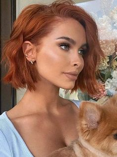 Here you may find fantastic ideas of ginger bob haircuts for all the those females who wanna make them look so much cool and sexy in 2020. All the bold ladies may sport these best bob styles if they really wanna get bold or sexy hair look in current year on various celebrations. Bob Haircuts 2017, Best Bob Haircuts, Hairstyles Haircuts, New Hair, Your Hair, Bob Styles, Hair Styles, Dyed Red Hair, Hair Color Highlights