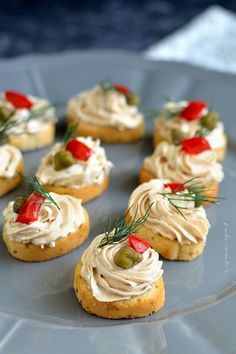 Canapes Recipes, Appetizer Recipes, Dessert Recipes, Cold Vegetable Salads, Butter Cookies Recipe, Romanian Food, Tapas, Valentines Food, Appetisers