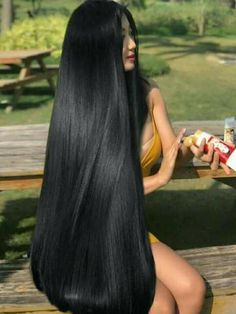 Best Picture For dark hair styles 2019 For Your Taste You are looking for something, and it is going Sleek Hairstyles, Straight Hairstyles, Indian Hairstyles, Pretty Hairstyles, Beautiful Long Hair, Gorgeous Hair, Long Indian Hair, Really Long Hair, Peinados Pin Up