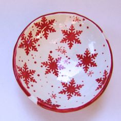 Hey, I found this really awesome Etsy listing at https://www.etsy.com/listing/251725860/red-whitescandinavian-snowflakes-pottery
