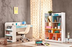 JOY IN çalışma masası kullanışlı yapısıyla çocukların odalarında en sevdiği mobilyalardan biridir.