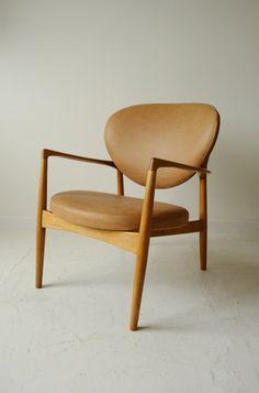 Ib Kofod Larsen armchair in tan leather. #IbKofodLarsen #Danish #chair
