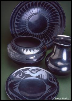 Maria Martinez : San Ildefonso Pueblo Glazes For Pottery, Ceramic Pottery, Pottery Art, Pottery Ideas, Native American Crafts, Native American Pottery, Southwest Pottery, Southwest Art, Indian Arts And Crafts