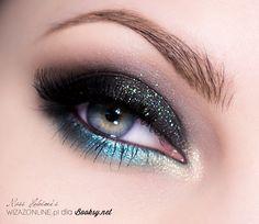 Makijaż wieczorowy: Turkus i czerń Dark Smokey Eye Makeup, Sexy Eye Makeup, Purple Eye Makeup, Glitter Eye Makeup, Fx Makeup, Makeup Guide, Cute Makeup, Makeup Goals, Makeup Eyes