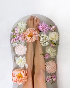 Flower bath | 5 ways to relax and unwind at home | Happy Grey Lucky