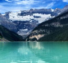 Best ways to beat the crowds in Banff | Expedia Viewfinder Travel Blog