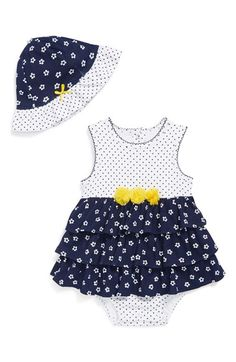 Little Me 'Flower Popover' Bodysuit & Hat (Baby Girls) Baby Girl Hats, Baby Girl Fashion, My Baby Girl, Baby Love, Kids Fashion, Baby Girls, Emo Fashion, Outfits Niños, Baby Kids Clothes
