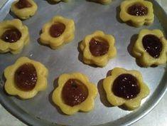 Μπισκότα πάστα Φλώρα συνταγή από Λεμονιά Πούλου - Cookpad Biscuits, Pudding, Pie, Pasta, Desserts, Food, Crack Crackers, Flan, Torte