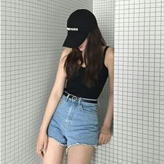21 Comfy Casual Style Outfits That Will Inspire You This Winter - Fashion New Trends Outfits With Hats, Mode Outfits, Short Outfits, Summer Outfits, Casual Outfits, Fashion Outfits, Korea Fashion, Asian Fashion, Fashion Black