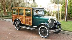 1928 Ford Woody Wagon presented as lot J54 at Kissimmee, FL 2015 - image1