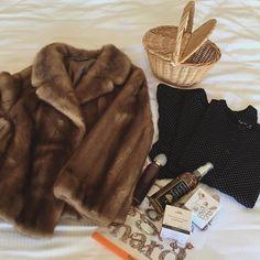 いい買い物! おばあちゃんの編んだカゴとグラースの香水が愛しい☺️ おやすみ!
