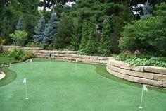 Backyard putting green: Reed Dillon & Associates