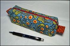 Bits and Pieces: Pencil Case Tutorial ~Thought I already had this pinned. Gotta make one soon for school. Pencil Case Pattern, Pencil Case Tutorial, Diy Pencil Case, Pouch Pattern, Pouch Tutorial, Diy Tutorial, Sewing Patterns Free, Sewing Tutorials, Sewing Crafts