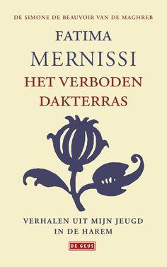 'Ik ben in 1940 geboren in een harem in Fès', zo begint Fatima Mernissi het veelkleurige verhaal van haar jeugd. Haar leven speelt zich af in een prachtig huis met brokaten gordijnen en gebloemde tapijten. De wereld buiten het smeedijzeren hek is ontoegankelijk, en daarom een obsessie voor alle vrouwen. Met dromen, toneelspel, poëzie en …