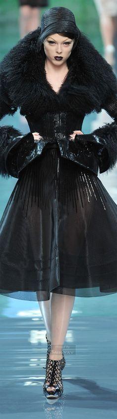 #2locos www.2locos.com Christian Dior haute couture Fall 2008