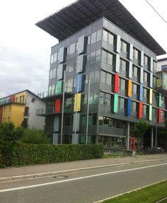 Construction passive, toiture photovoltaïque.