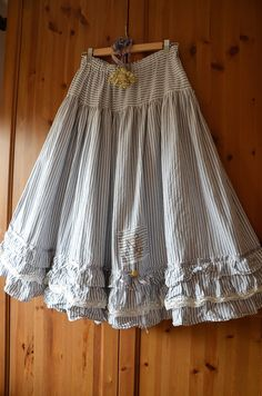 the skirt with 3 ruffles and french lace, made from cotton by me