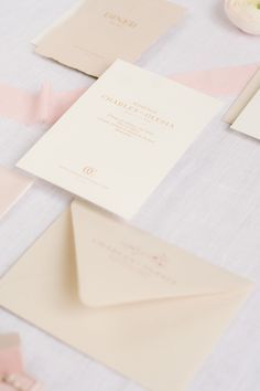 Pink and feminine wedding stationery from a dreamy elopement wedding photo session in Paris. #weddingstationery #pinkweddinginspiration #minimalistweddingdesigns #weddingdetails