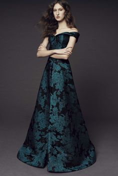 See the complete Zac Posen Pre-Fall 2017 collection.