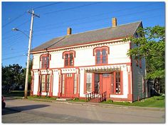 O'Dell House Museum is located on the Annapolis Royal waterfront in a circa 1869 stagecoach inn and tavern. Halifax Airport, Garrison House, Stagecoach Inn, Annapolis Royal, Port Royal, Nova Scotia, Historical Sites, Canada, Pony Express