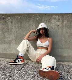 Street Style Outfits, Mode Outfits, Retro Outfits, Street Style Women, Trendy Outfits, Tumblr Outfits, Girl Outfits, Fashion Outfits, School Outfits