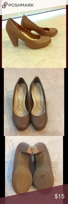 Tan chunky heel pumps! Very comfortable, heel height is about 3.5inches by comfort soles. Gently worn a few times. Shoes Heels
